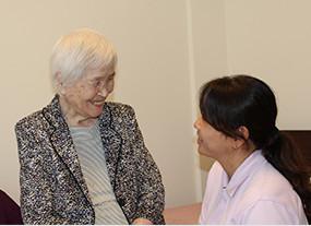 """訪問診療・在宅医療は、外来・入院に次ぐ""""第三の医療""""です。"""